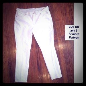 white denim jeans Old Navy curvy mid rise skinny